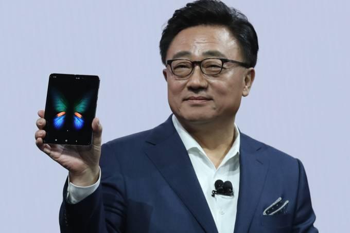 Samsung apresenta mudanças no Galaxy Fold e confirma lançamento para setembro deste ano