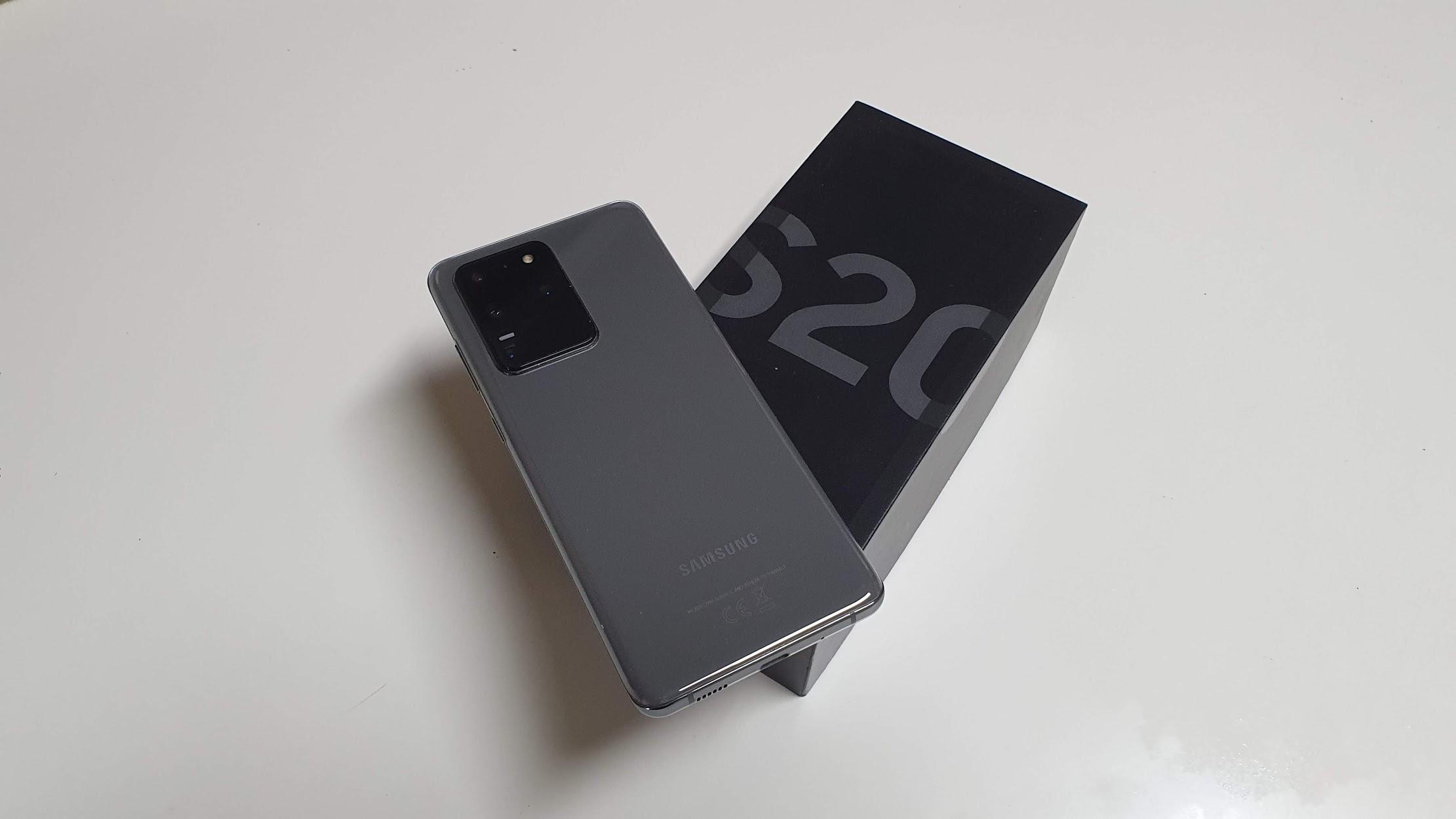 Análise | Galaxy S20 Ultra apresenta uma linda tela com frequência de 120Hz, excelentes câmeras e boa duração de bateria